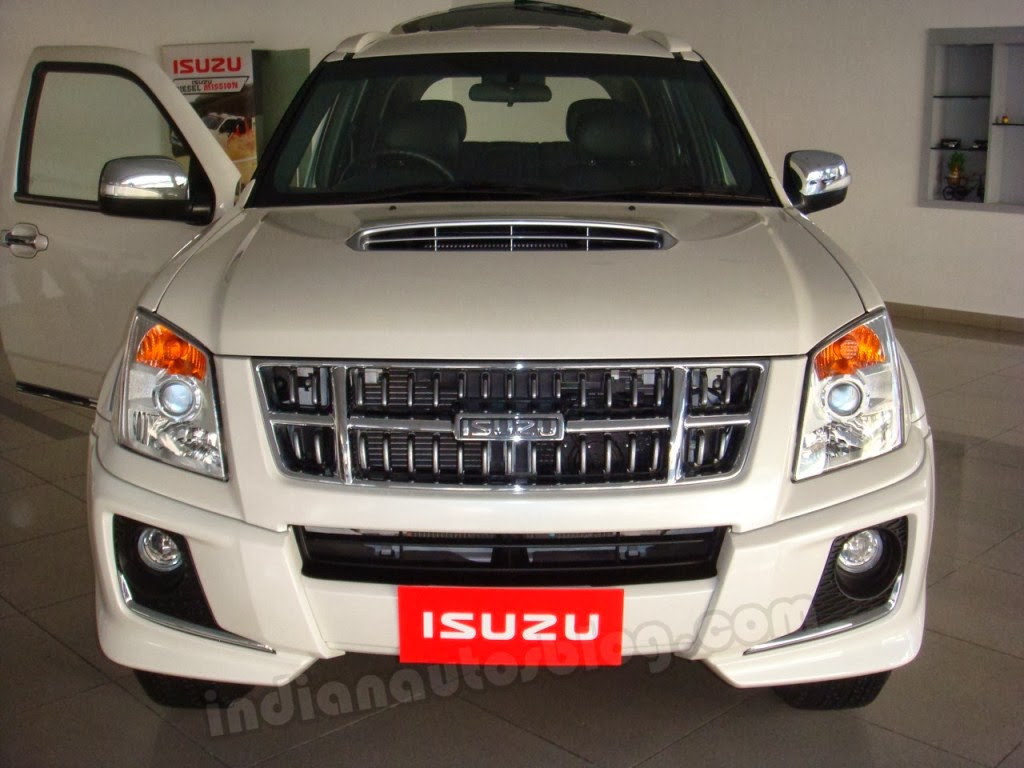 Mahindra Xuv 500 Wallpaper Hd In White Isuzu Mu 7 Wallpaper Specification Prices Photos Review