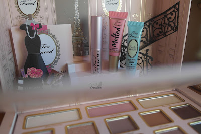 http://www.adorable-emmerdeuse.be/2016/01/too-faced-le-grand-palais-revue.html