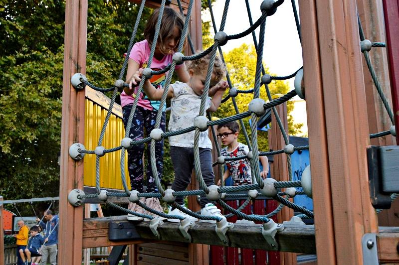 Pontevedra con ninos parques infantiles