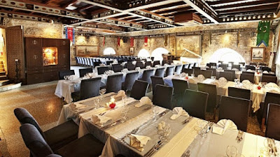 Maiden's Tower - Restaurant