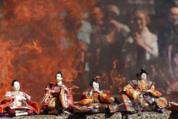 Funeral Ceremony for dolls, Nagareyama City, Chiba Pref.
