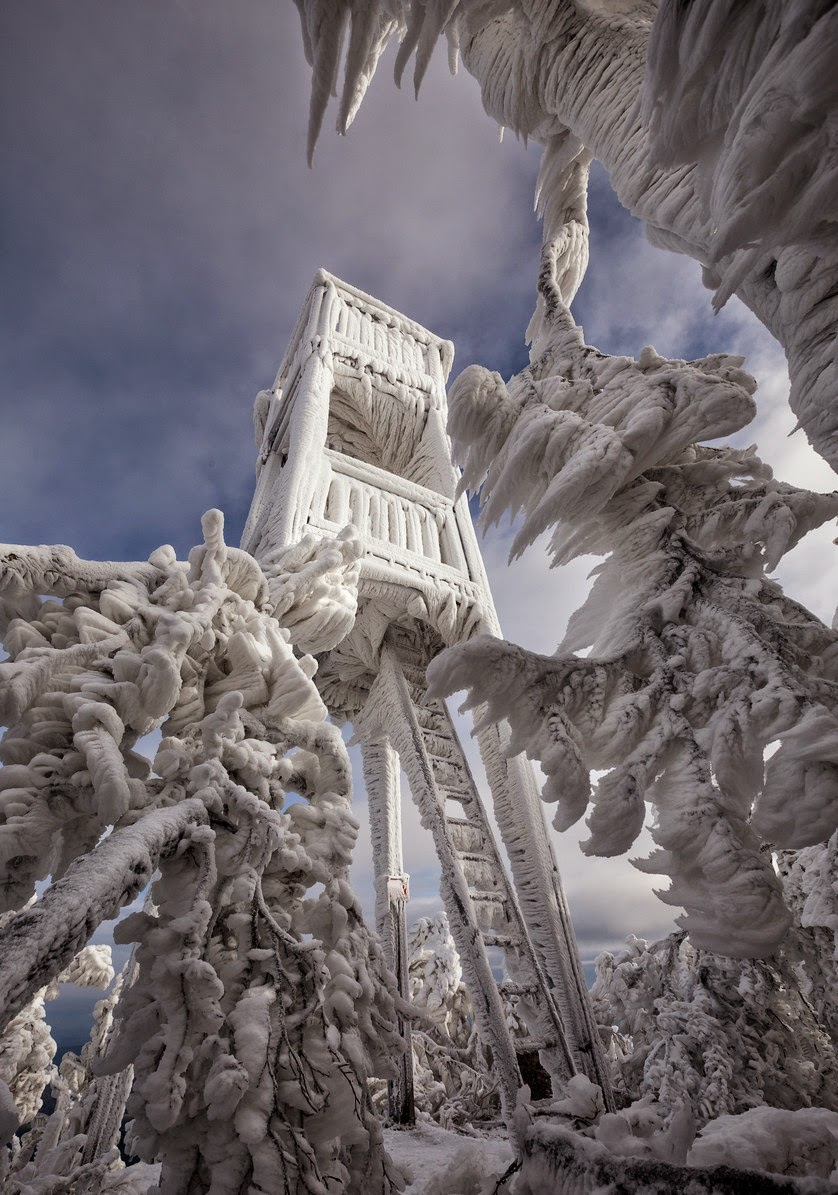 http://www.thisiscolossal.com/2014/12/spectacular-ice-formations-atop-a-windswept-mountain-in-slovenia/