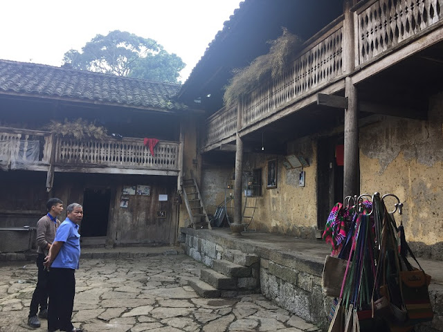 Ha Giang tour - Find Famous Film Set In Lung Cam Village 2