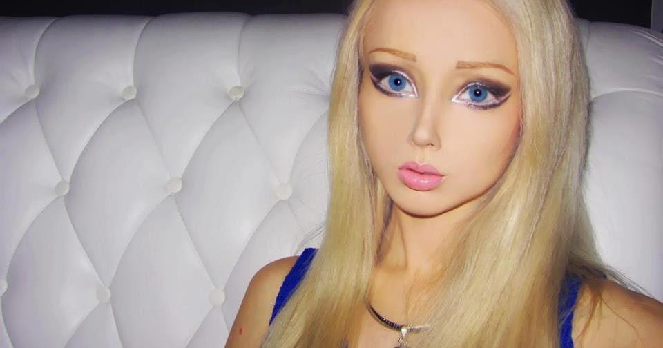 13 Gadis Yang Berdandan Mirip Dengan Boneka Barbie
