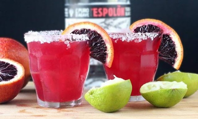 Blood Orange Margaritas #cocktails #margarita