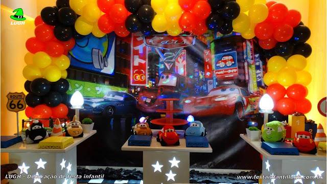 Decoração de festa infantil Carros Disney