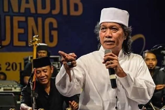 Kata Cak Nun soal Indonesia Bubar Tahun 2030
