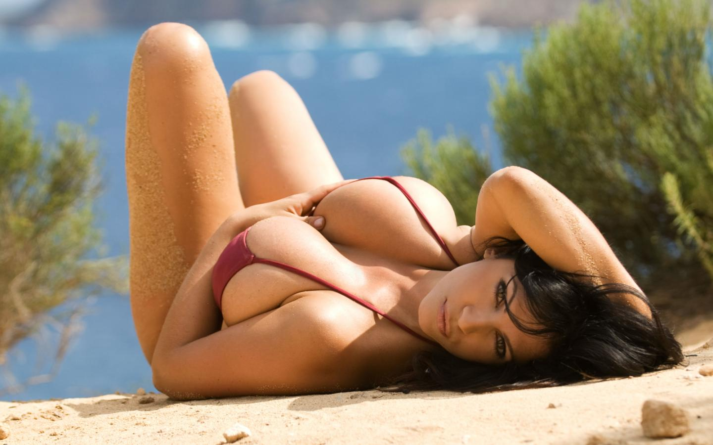 Hot Beaches HD Wallpapers