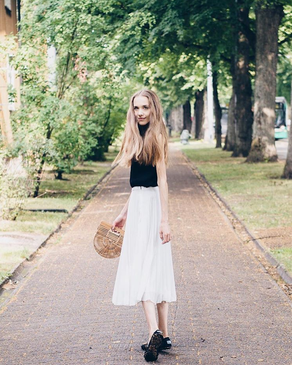 white-midi-skirt-outfit-fashion-blogger