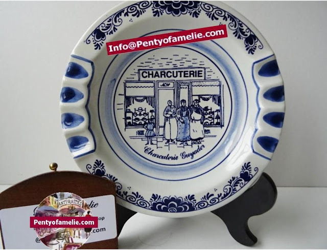 Unique and hard to find vintage royal delfts blue white large ashtray breton delicatessen shop scene