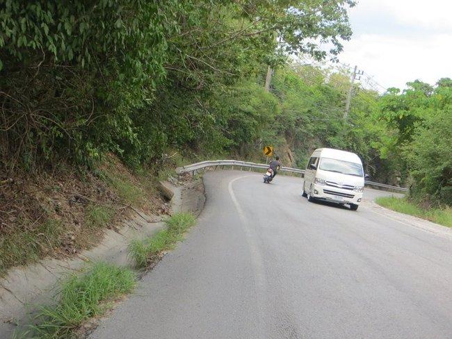 Спуск с горы на скутере