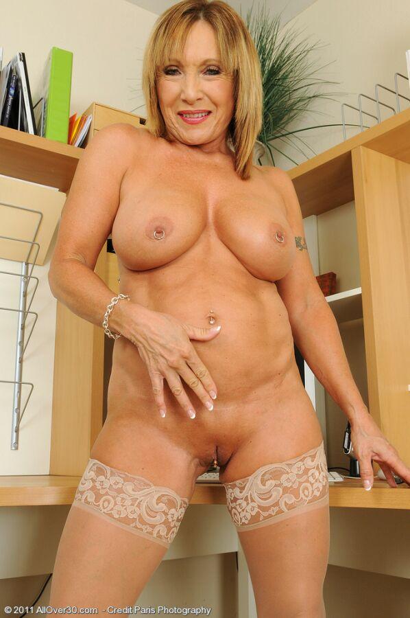 Elegant mature nude granny