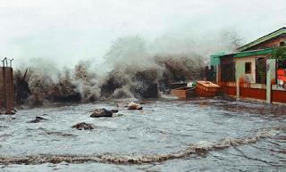 renungan puisi tentang bencana alam gempa bumi dan tsunami