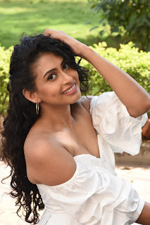 Nitya Naresh (19)