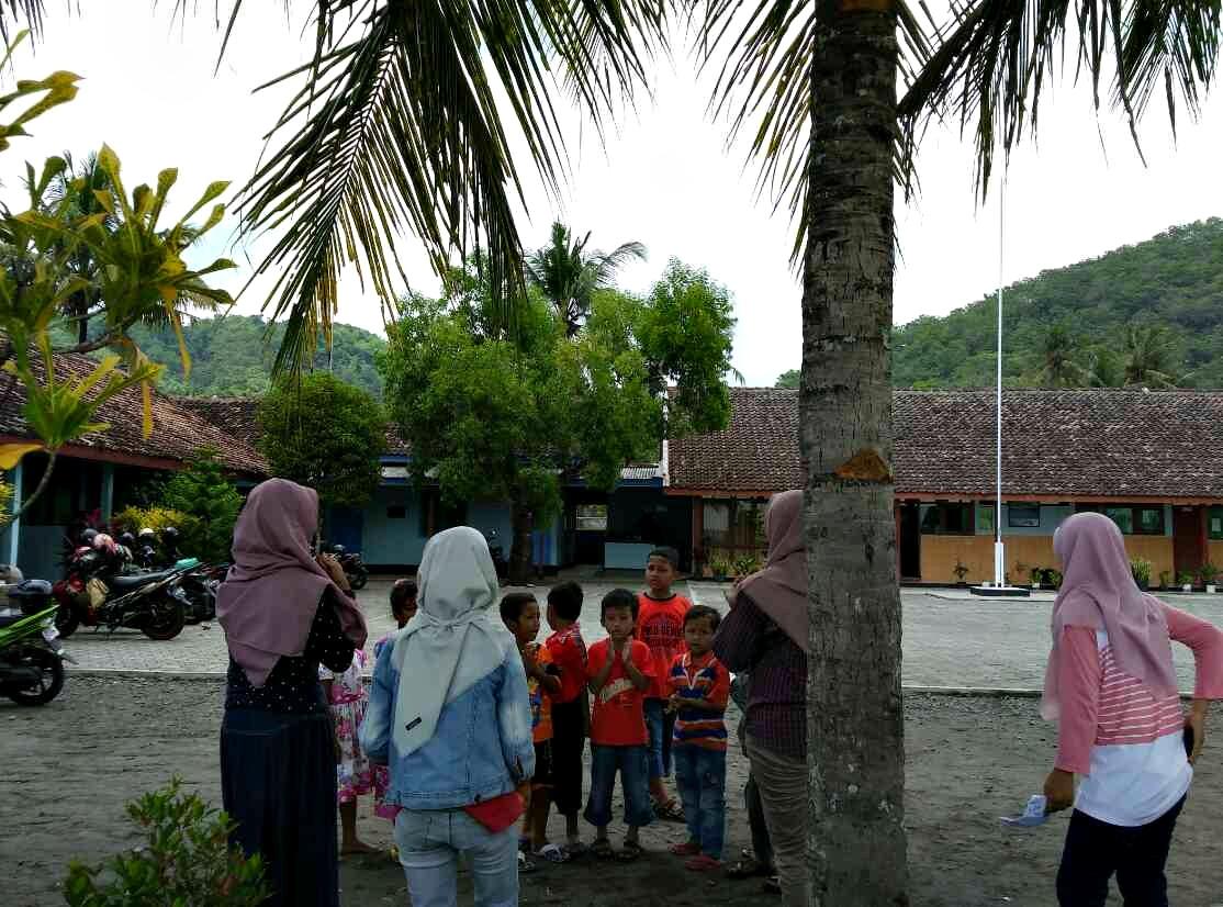 sekber sekolah berjalan book for mountain sd kamal nanggulan kulonprogo