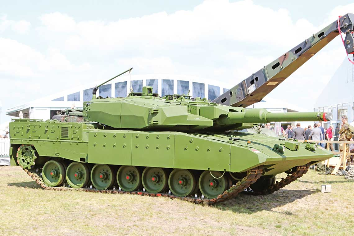 delivery of leopard 2 ri mbts to indonesia to be completed early in 2017 asean military. Black Bedroom Furniture Sets. Home Design Ideas
