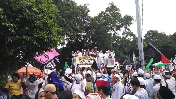 Ustadz Bachtiar Nasir: Aksi Simpatik 55 Bukan Aksi Makar atau Intervensi Hukum