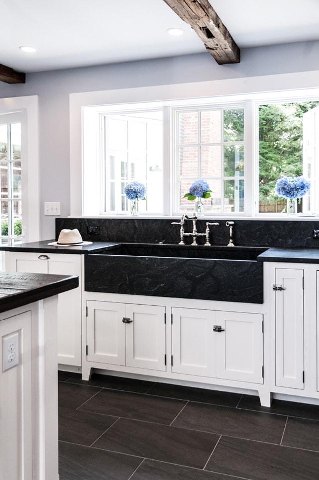 Con el fregadero bajo la ventana cocinas con estilo - Fregaderos para cocina economicos ...