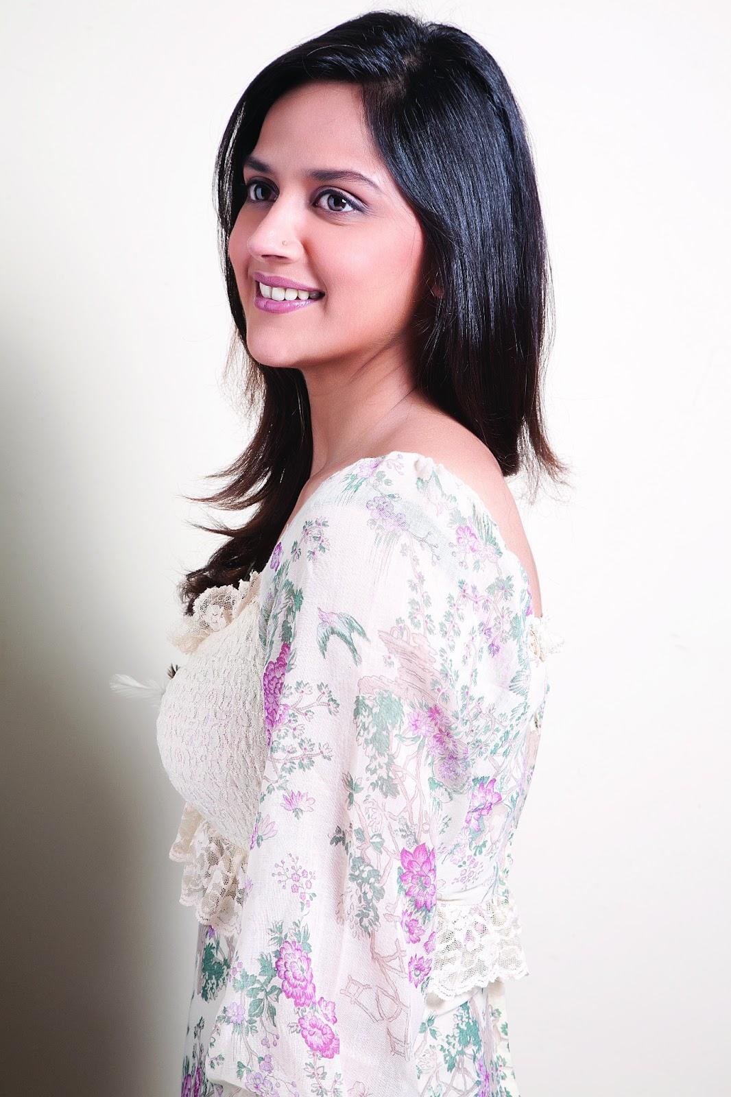 Reahana Deol Bollywood Actor Photo Shoot Bollywood Camera
