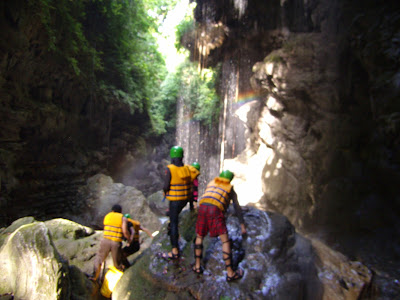 http://www.gobodyrafting.com/2014/11/harga-body-rafting-green-canyon.html