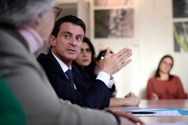 Valls: Entre Hamon et Macron, son cœur balance