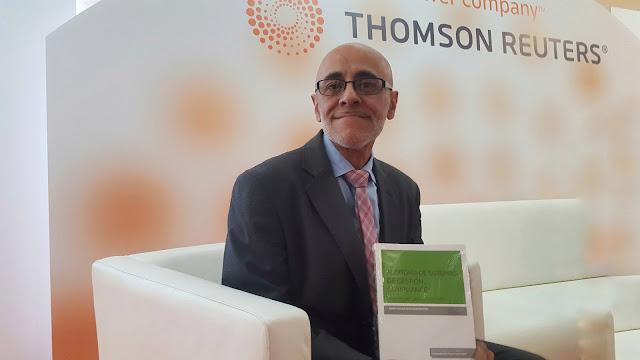 Juan Carlos Bajo, Presidente del consejo de profesionales Compliance, con uno de sus trabajos editoriales