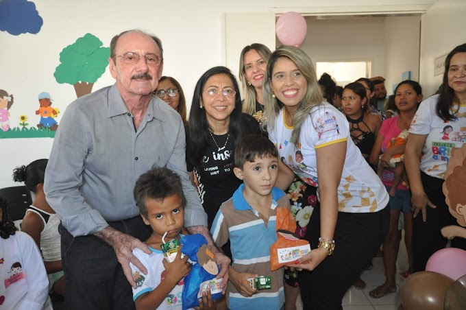 Crateús: Prefeito e Secretária inauguram espaço lúdico para crianças
