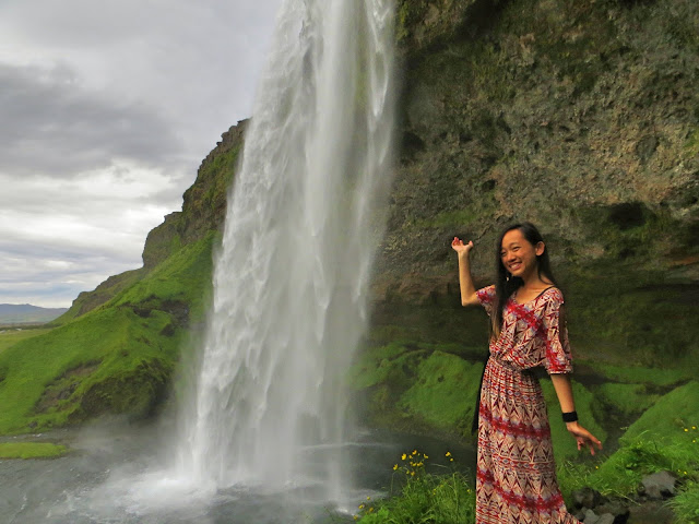 iceland best waterfall hikes