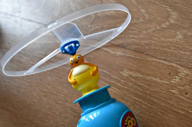 Flying Twirlywoos