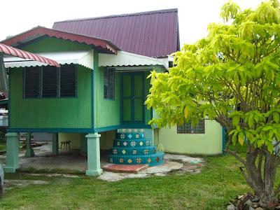 Homestay di Bandar Hilir Melaka, Homestay Murah di Bandar Melaka, Homestay Muslim murah bersih selesa di Melaka, Rumah Kampung Moden