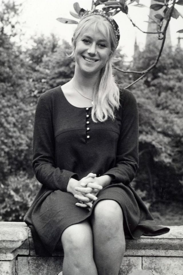 30 Stunning Vintage Photos Of A Young Helen Mirren From -8897