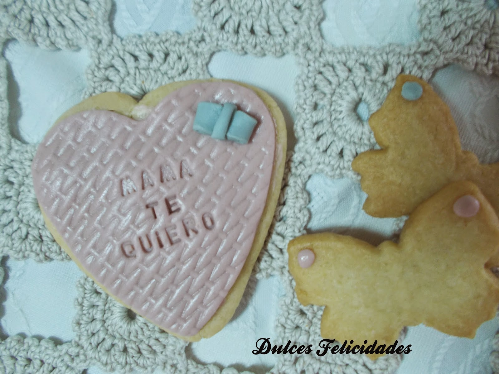 Galletas con aceite de girasol decoradas para el día de la madre