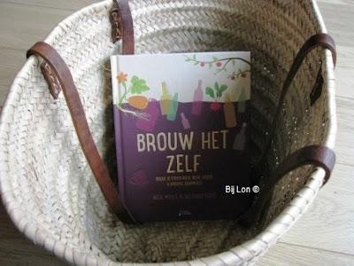 http://bijlon.blogspot.nl/2016/12/boekentip-brouw-het-zelf.html