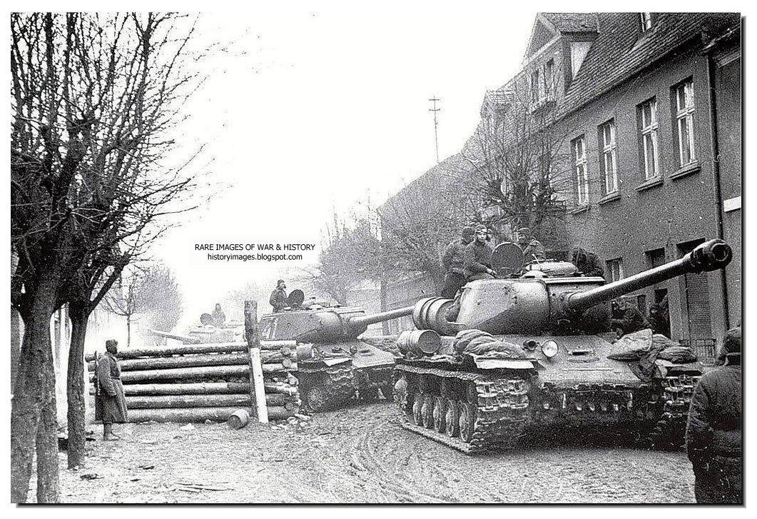 https://2.bp.blogspot.com/-mhXKvO9hgmI/Tov7WoUP7QI/AAAAAAAAGik/6Qqvong69LI/s1600/march-1945-russian-tanks-eastern-pomerania.jpg
