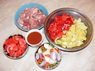 retete cu carne si legume, preparate din carne si legume, mancaruri cu carne si legume, retete culinare,