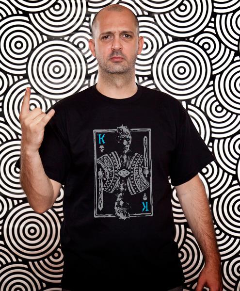 http://www.tokotoukan.com/el/t-shirts/GoT_GR_Fans/nights-king#gender-1,color-2