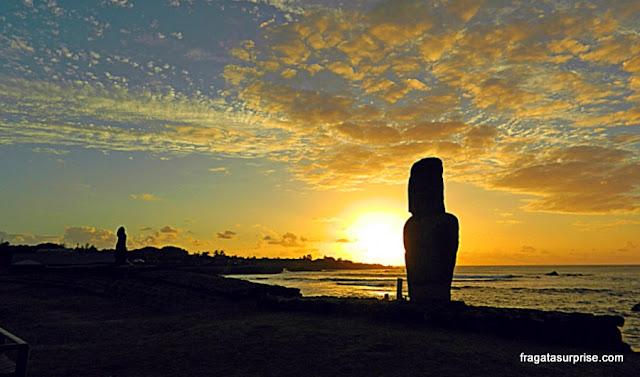 Moais (estátuas de pedra) da Ilha d Páscoa