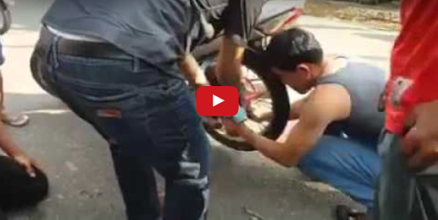 Ngeri Nonton Video Evakuasi Bayi yang Tersangkut di Jari - Jari Ban Sepeda Motor