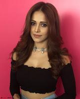 Nushrat Bharucha New Bollywood sensation from Sonu Ke u Ki Sweety Exclusive Unseen Pics ~  Exclusive Gallery 037.jpg