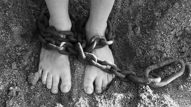 """""""La vida humana es más prescindible"""": Las terribles cifras de la esclavitud moderna"""