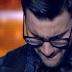X-Factor, 6o live: «Λύγισε» στη σκηνή και έβαλε τα κλάματα ο Ίαν Στρατής (videos)