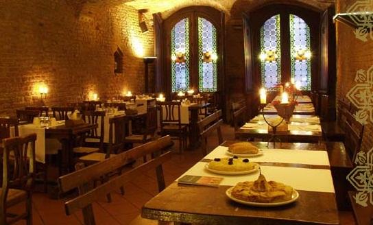 Medieval Bride: Medieval Restaurants of the world