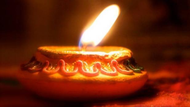 Dhanteras 2018 : Dhanteras को इन जगहों पर दीपक जलाएं ! हो जाएगा पैसा ही पैसा