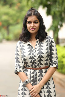 Swathi Reddy Looks super cute at London Babulu theatrical trailer launch ~  Exclusive 057.JPG
