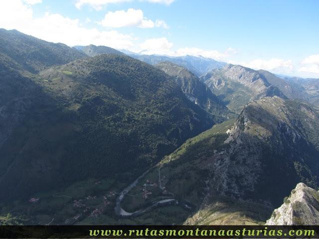 Mier y Río Cares desde la cima de la Pica de Peñamellera