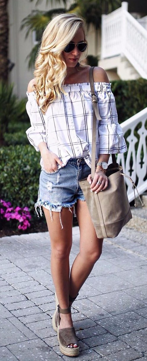 how to wear off-the-shoulder top with shorts