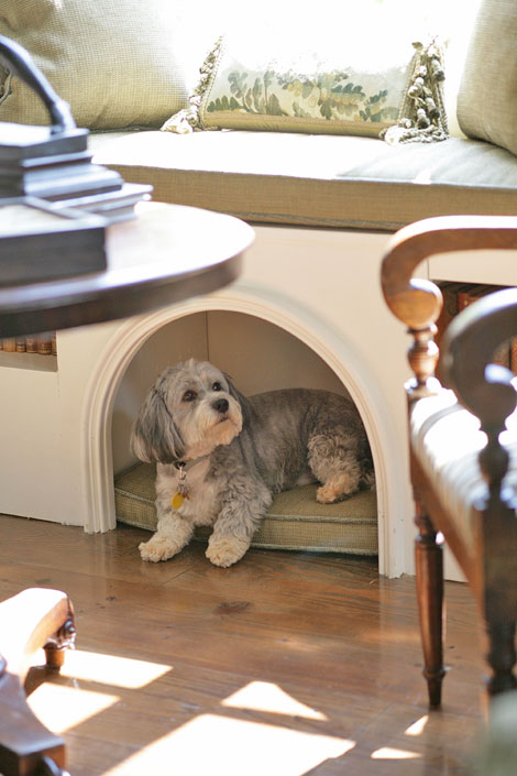 Stylish Built-in Dog Beds and Kennels - Driven by Decor