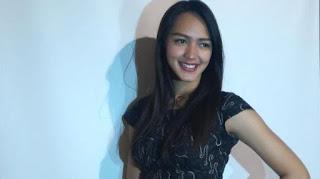 Biodata Melayu Nicole