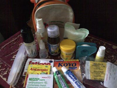 Obat-obat yang wajib dibawa saat traveling