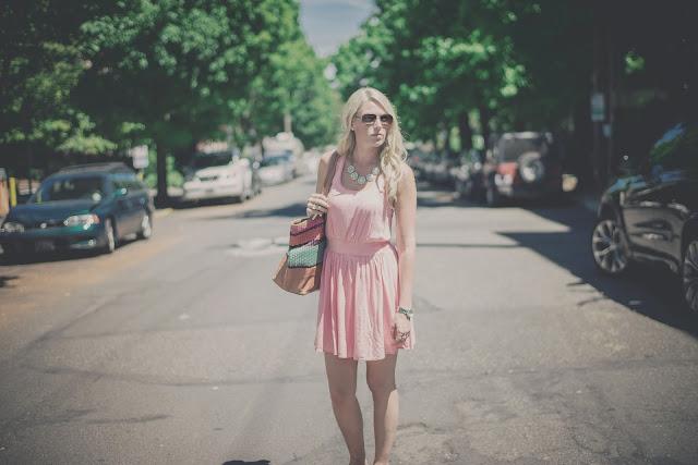 welche schuhe zu rosa kleid